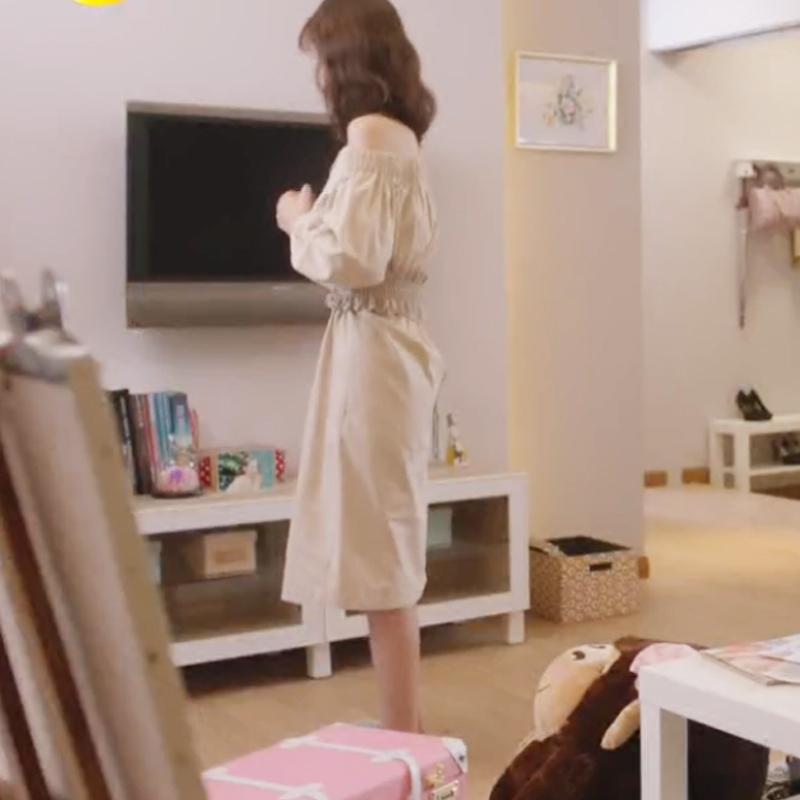 夏至未至颜末郑合惠子同款卡其色连衣裙女一字领露肩中长裙子
