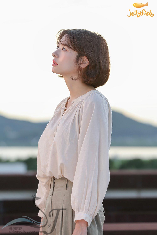 韩剧从天而降的一亿颗星星郑素敏同款白色韩国采购豆豆扣棉衬衫