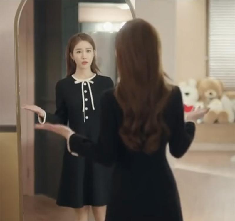 韩剧触及真心吴真心刘仁娜同款黑色赫本风修身连衣法式复古裙子