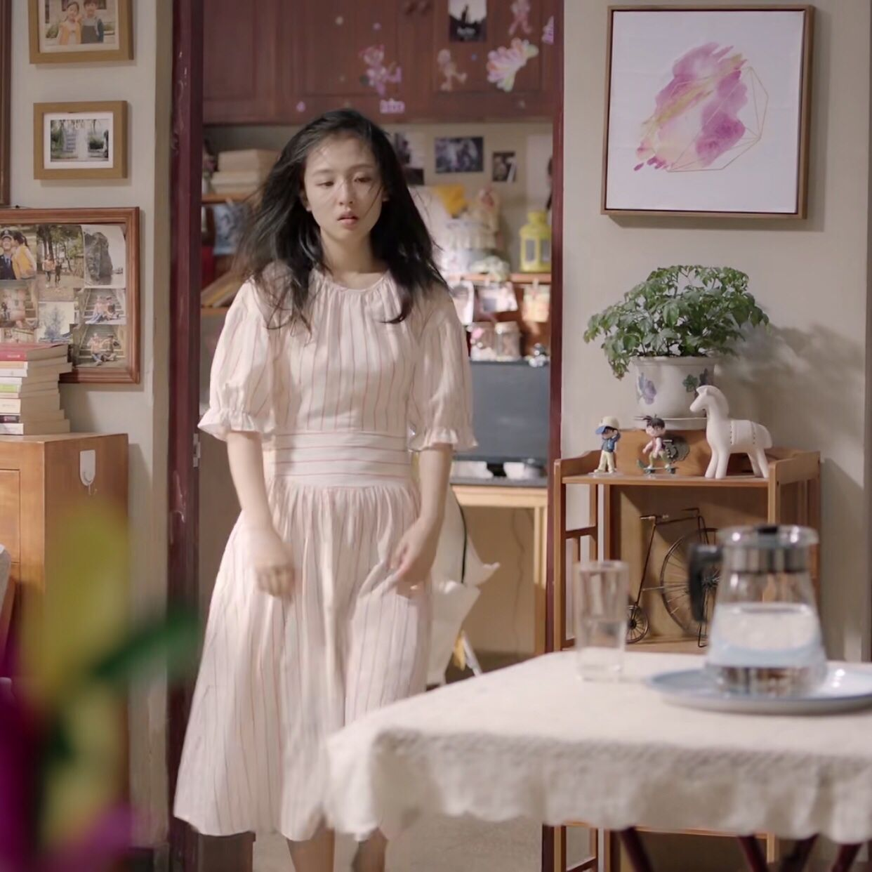 我只喜欢你吴倩赵乔一明星同款连衣裙红白条纹文艺宽松显瘦连衣裙