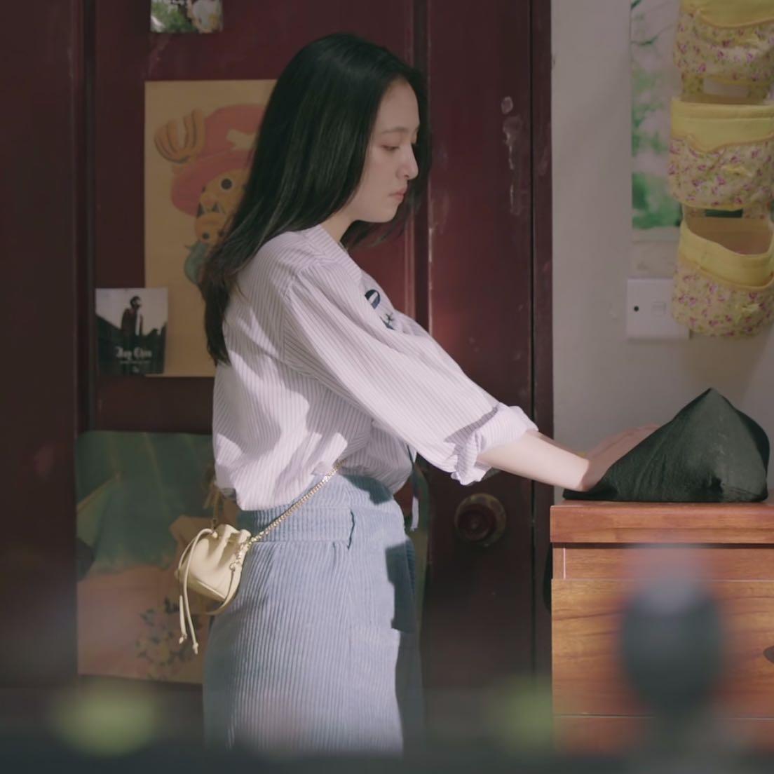 我只喜欢你赵乔一吴倩同款包包日韩百搭链条斜挎抽带迷你水桶包