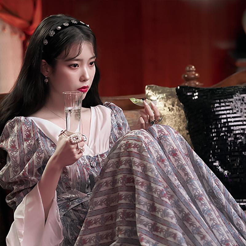 德鲁纳酒店IU李智恩同款复古宫廷雪纺V领长款连衣裙