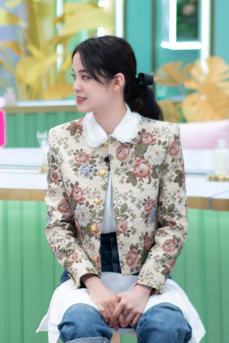 Beauty小姐张雨绮张小斐宋轶欧阳娜娜同款外套毛衣化妆品牌子